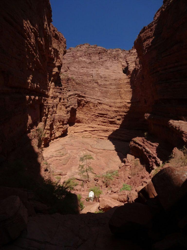 """Climbing into the """"Garganta del Diablo"""""""